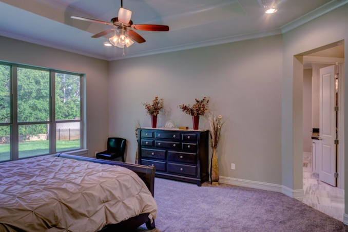 Ceiling fan bedroom
