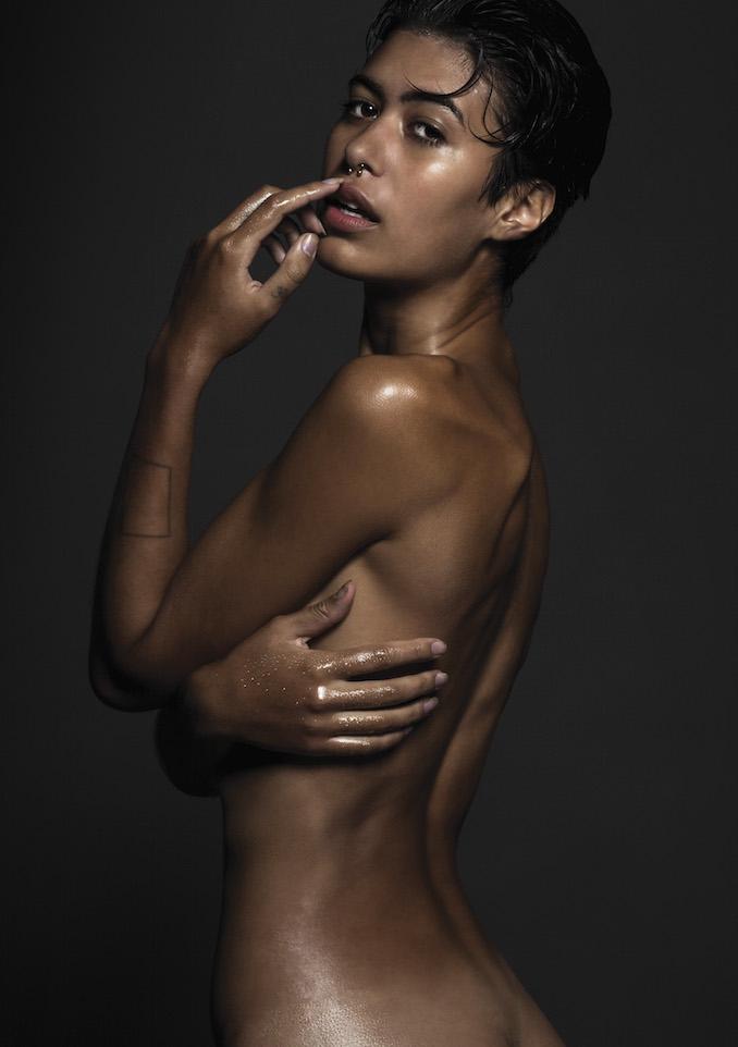 skintrade_shower_bodywash_woman