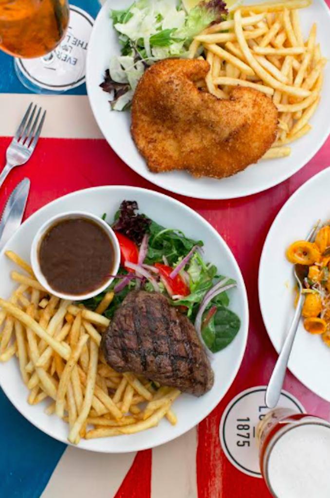 London Hotel Paddington Sydney pub food