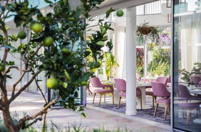 Elegant Botanica Vaucluse