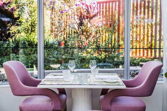 Botanica Vaucluse table