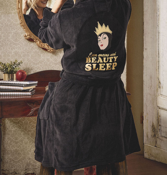 Typo Snow White gown