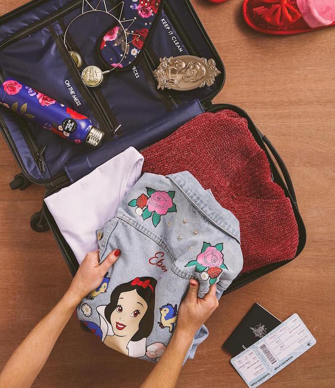 Typo Snow White packing