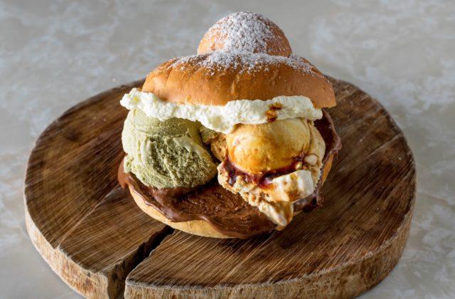 Cremeria De Luca gelato burger