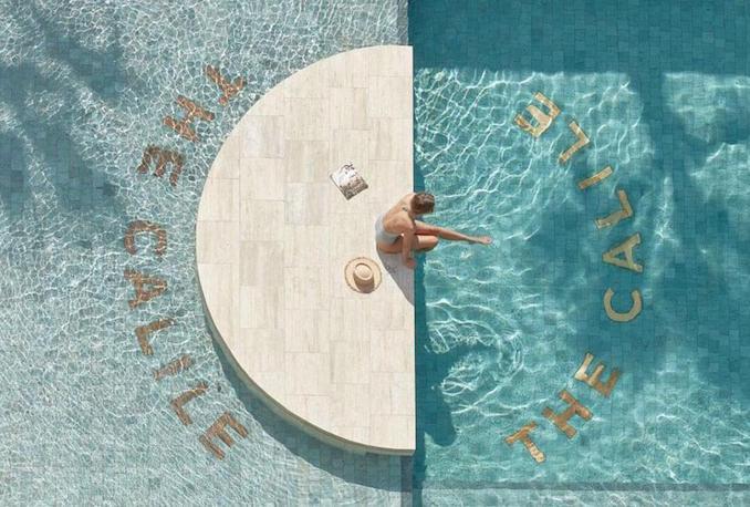Calile pool above