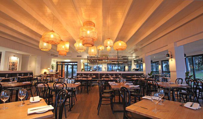 Angelos Cabarita dining room
