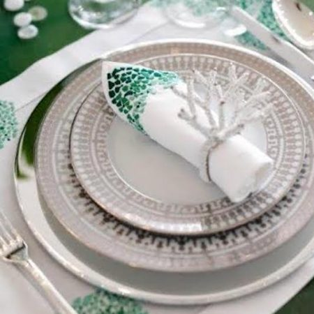 Table setting plates