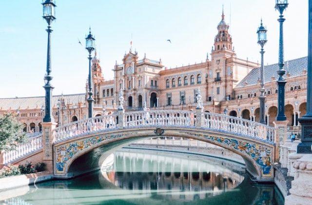 Travel bridge